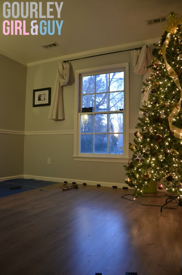 floor-living-room-christmas-tree